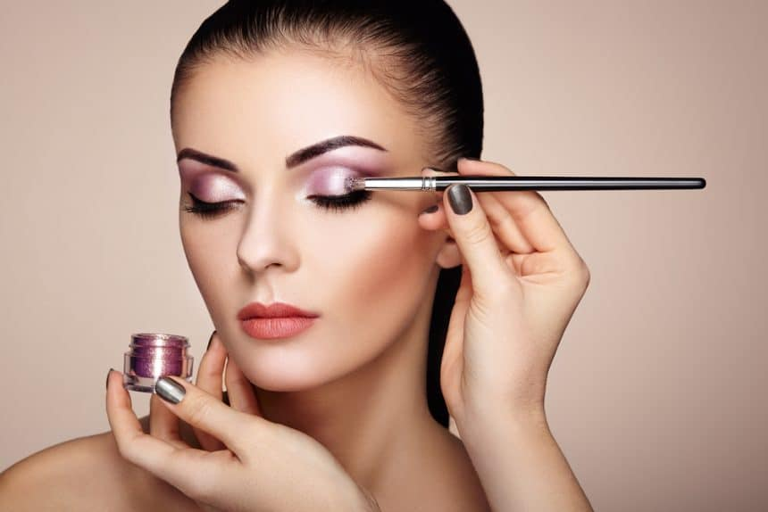Make up artist Ausbildung