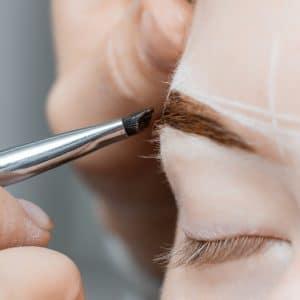 Henna-Augenbrauen & Augenbrauen-Laminierung (Lifting)